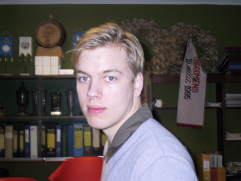 Timo Rautiainen - Punainen Viiva